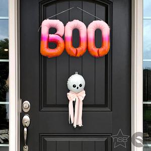 HH_BOO-CuteGhost_doorCloseNSQ.jpg